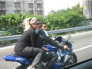 Image result for کشف حجاب در خیابانهای تهران
