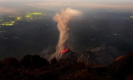 آتشفشان سانتا ماریا در گواتمالا