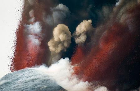 انفجار دهانه آتش فشان در ایتالیا