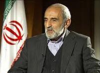 ریشه جسارت آمریکا در برخی وادادگیها/ نگاه احمدینژاد هم به آمریکا خوشبینانه بود