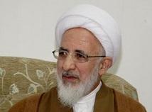کسانی که منتظرند نظام اسلامی بپاشد تا بیگانه بیاید مریض سیاسی هستند