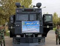 گازانبر غولپیکر مقابل دانشجویان در دولت حقوقدانان!+عکس و فیلم