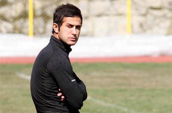 جنجال سر مزار مهرداد اولادی/ دو فوتبالیستبا یکدیگر درگیرشدند