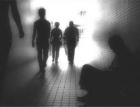 اگر کسی در خانه یک دختر فراری یا بچه معتاد داشته باشد، چه حالی دارد؟/ما باید همان احساس را به خودمان تلقین کنیم