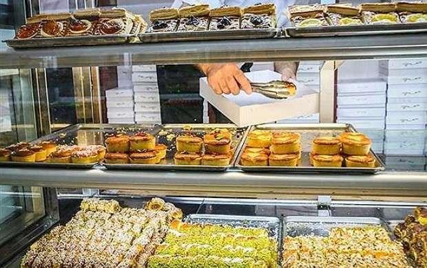شیرینی تا پایان سال گران نمی شود/ کاهش تولید با نایاب شدن شکر و آرد قنادی