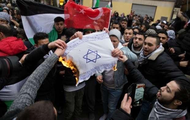 واکنش وزیر کشور آلمان به آتش زدن پرچم اسرائیل