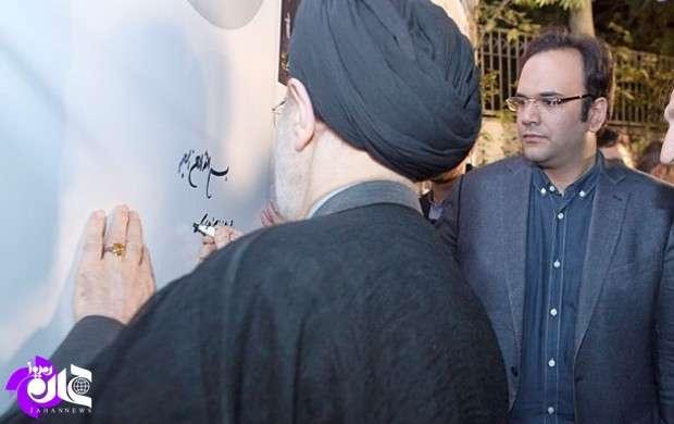 آقای خاتمی کمی هم درباره نقش خود در حمایت از راهبردهای سیاست خارجه و اقتصادی دولت روحانی با مردم سخن بگویید/ چرا پشت صحنه با تمام توان از استمرار وضعیت موجود حمایت می کنید؟