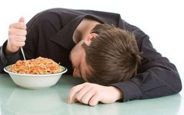 چرا خوابیدن با معده پر ضرر دارد؟