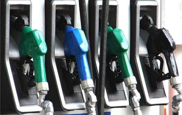 بنزین ۱۵۰۰ تومانی فشار اقتصادی مضاعف بر مردم وارد می کند