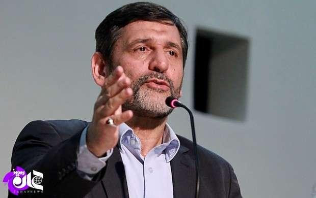 بنده با احمدی نژاد همکلاس بودم، او فکر می کند همه سفره انقلاب برای اوست/ این افراد تمام دردشان این است که چرا هماکنون روی صندلی ریاست یا پست خاص نیستند