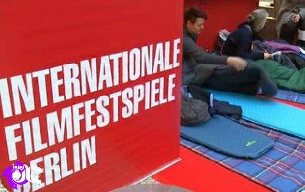 مشتاقان سینما در صف خرید بلیت جشنواره برلین