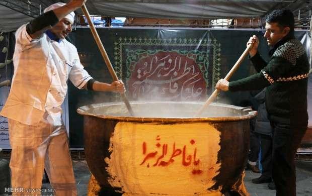 آئین سنتی سمنوپزان در میدان امام حسین (ع)