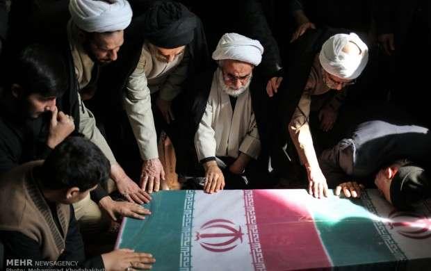 مراسم تشییع و تدفین پیکر دو شهید گمنام در مدرسه علمیه مروی