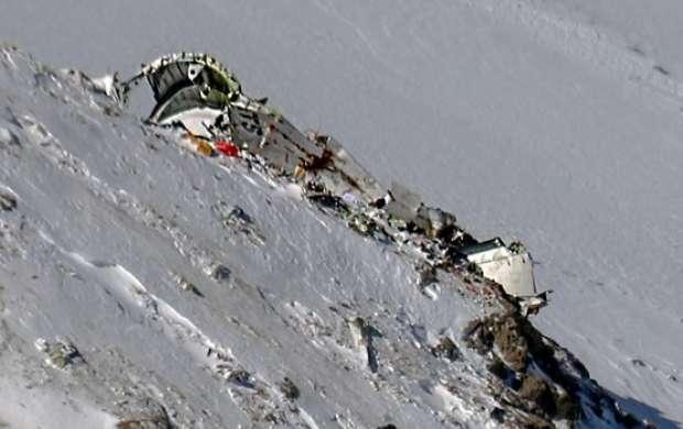 انتقال پیکرهای کشف شده به پشت قله