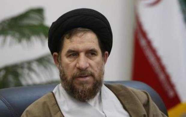 احمدی نژاد با این مباحث دارد ریشه خود را می زند