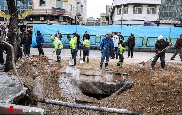 فرو نشست زمین در خیابان مولوی