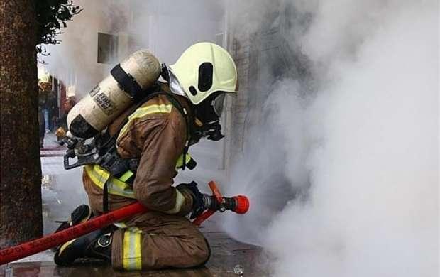 نجات ۷ نفر از میان آتش و دود در چهارراه نظام آباد
