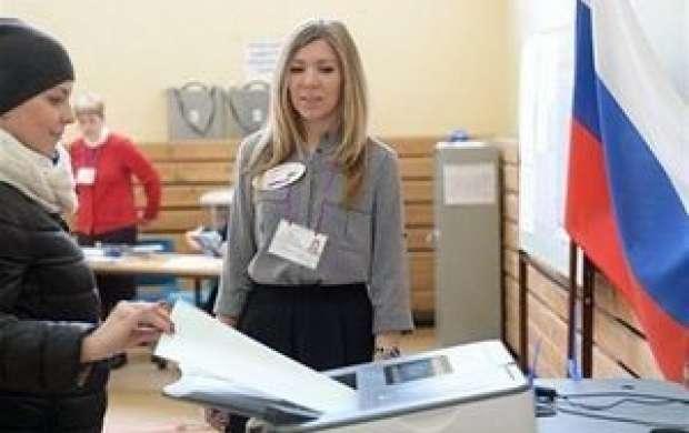 مردم روسیه به پای صندوق های رای رفتند
