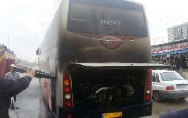 حریق اتوبوس با ۳۰ مسافر در آزادراه تهران-قم