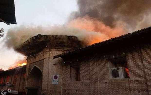مغازه های اطراف مسجد جامع ساری آتش گرفتند