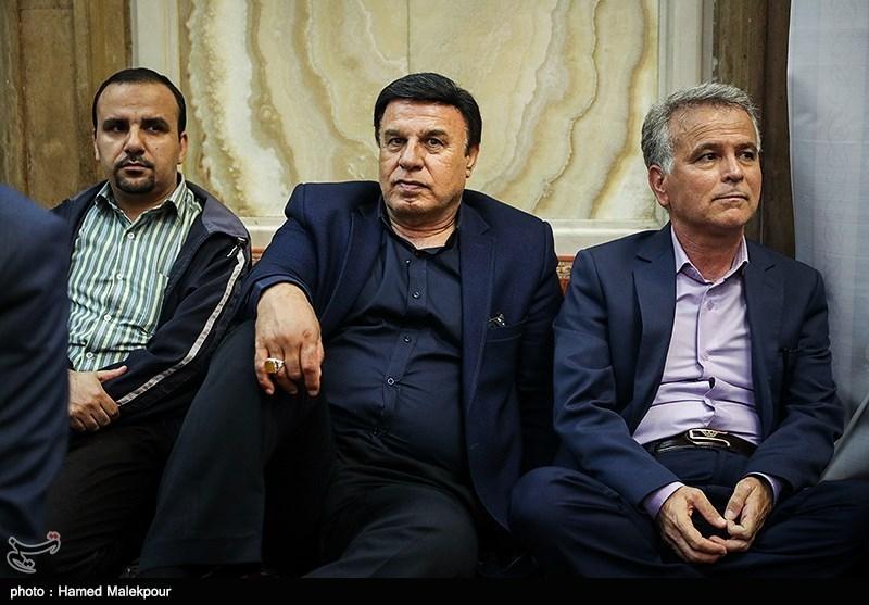 فوتبالیها در ترحیم مادر حاج حسن +تصاویر