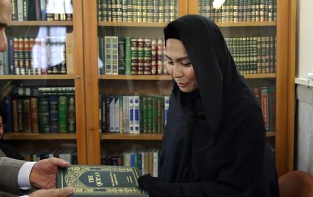 بانوی بودایی در حرم امام رضا (ع) مسلمان شد