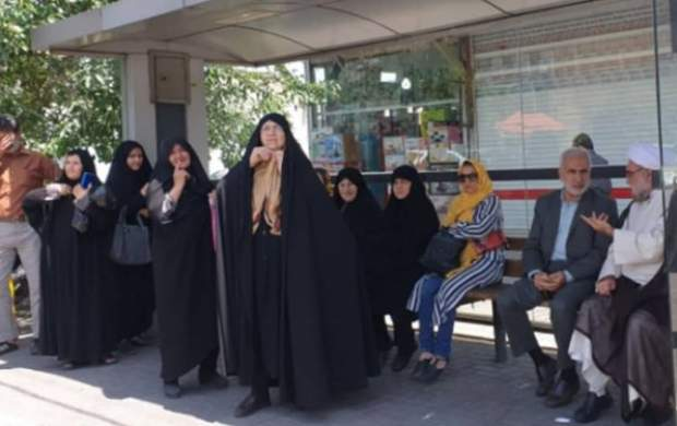 تولیت آستان قدس رضوی با اتوبوس به حرم رفت