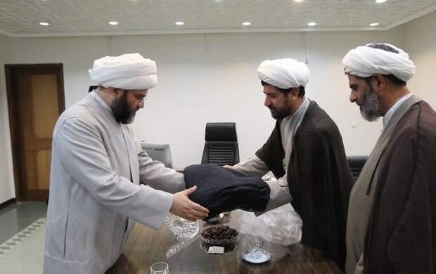 هدیه زیبا و جالب طلبه اصفهانی به رهبرانقلاب