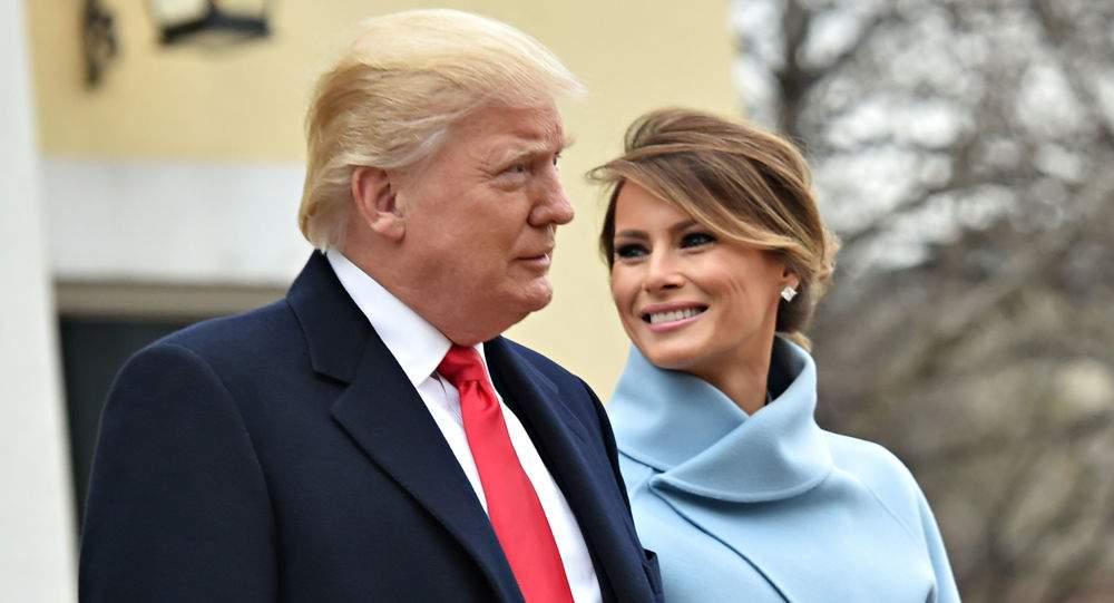 Image result for عکس یادگاری عجیب ترامپ و همسرش