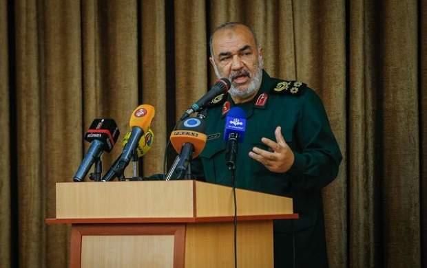 شاکله حسن طهرانی مقدم اراده بود/ اهل فن می داند بالستیک را نقطه زن کردن، چقدر سخت است/ ناوهای دشمن در هیچ نقطهای امنیت ندارند