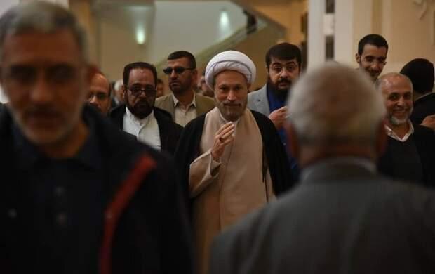 حرکت معنادار امامجمعه شیراز بعد از تهدید منافقین
