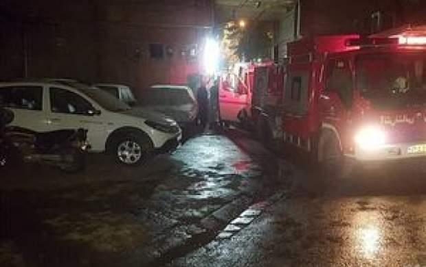 آتشسوزی گسترده در انبار لباس در چهارراه استانبول