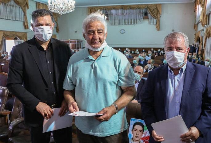 2878342 - علی دایی و پروین در جشن عید غدیر