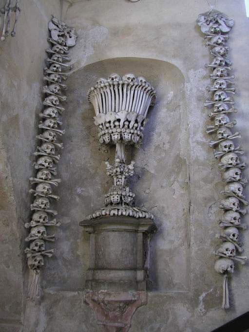 تصاوير: کليسايي که از استخوان مسلمانان ساخته شد!